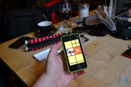 Nokia Lumia 620 Windows Phone (25)