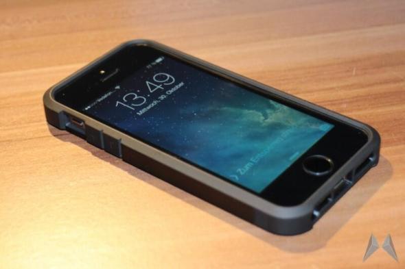 Spigen SGP iPhone 5 5s Tough Armor Case (1)
