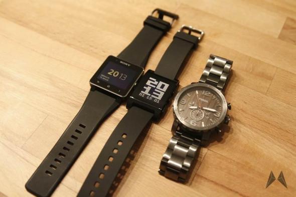 Pebble vs. Sony Smartwatch 2 _MG_7181