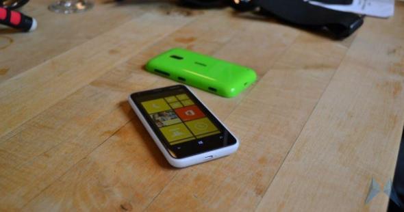 Nokia Lumia 620 Header