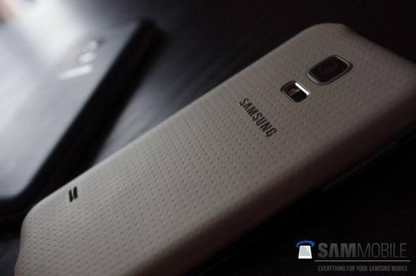 Samsung Galaxy S5 mini (1)
