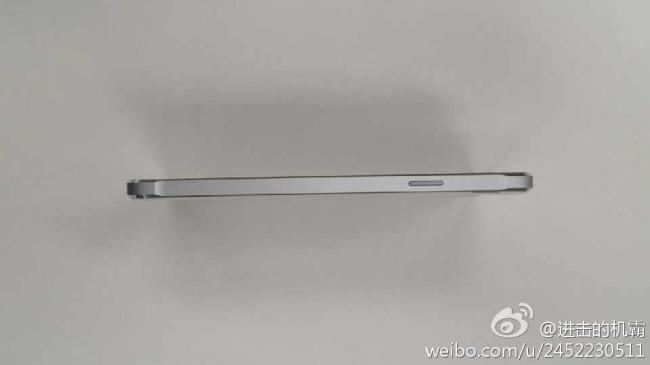 Samsung Galaxy Alpha Weiß Seite Breit