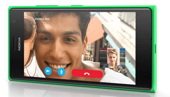 Lumia735_Skype_960