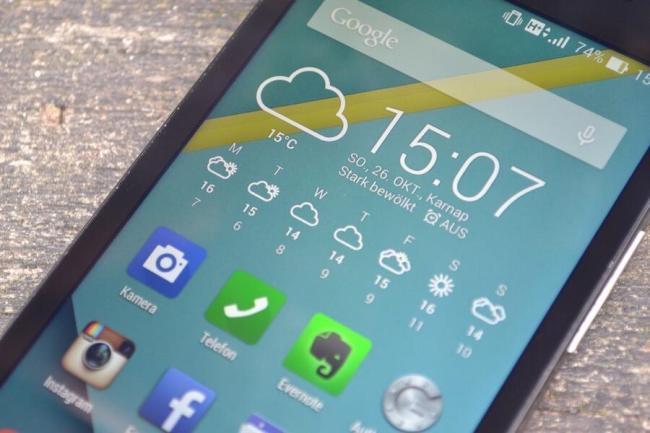 ASUS Zenfone 5 LTE 03