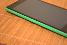 Nokia Lumia 735 03