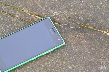 Nokia Lumia 735 08