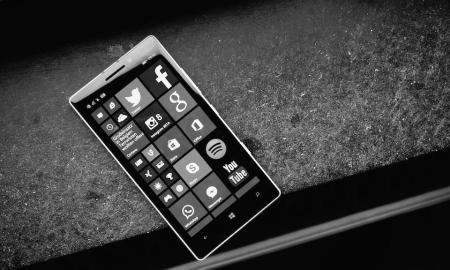 Windows Phone Header 2