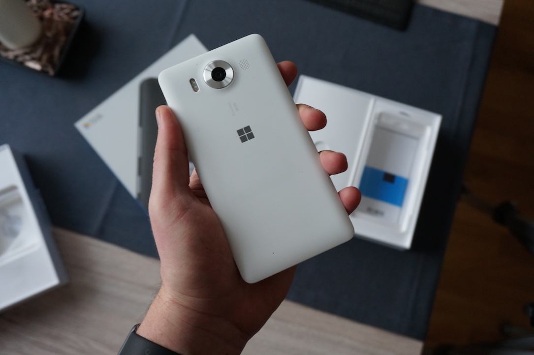 microsoft lumia 950 unboxing und erster eindruck. Black Bedroom Furniture Sets. Home Design Ideas