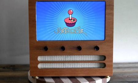Wooden-Retro-Arcade-Cabinet