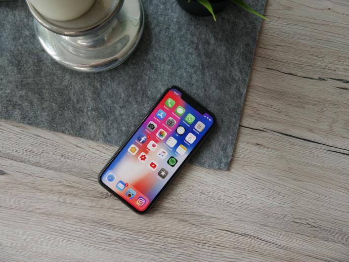 Apple Iphone X Tisch