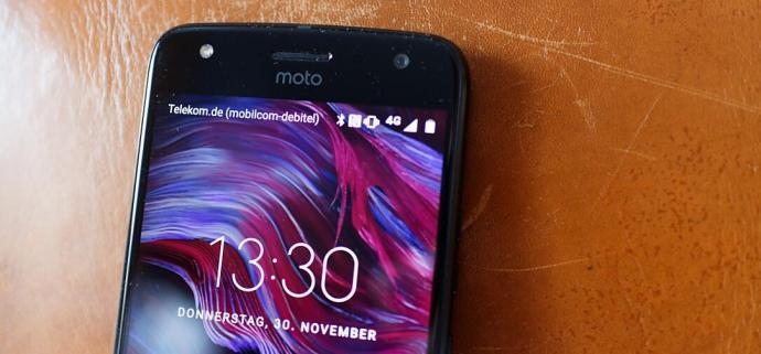 Moto X4 Display