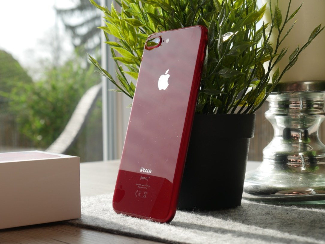 Apple Iphone 8 Red Unboxing11