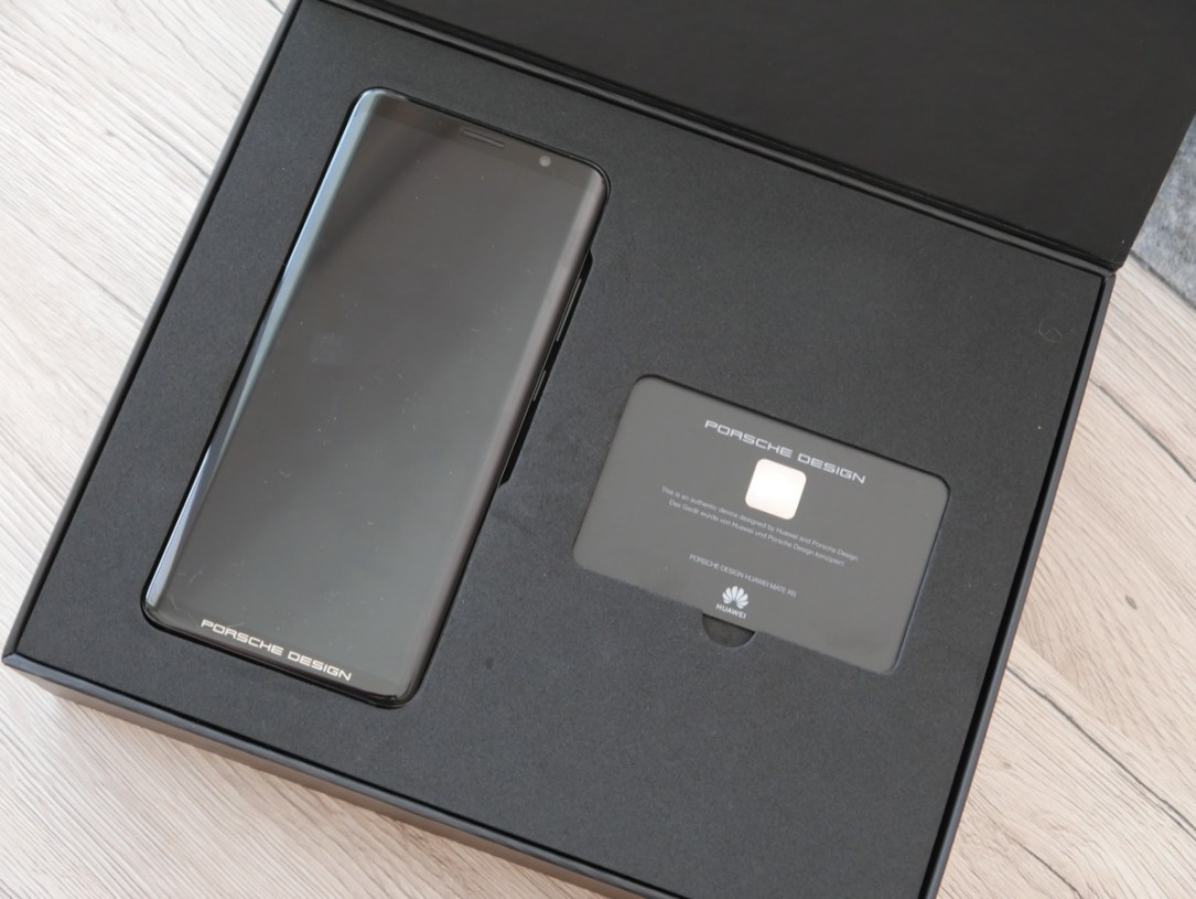 Huawei Mate Rs Unboxing2