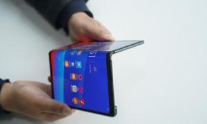 Oppo Smartphone Faltbar3