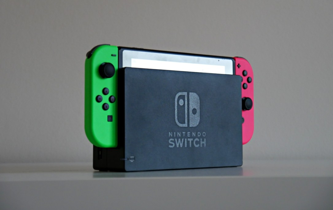 Nintendo Switch Neon Header