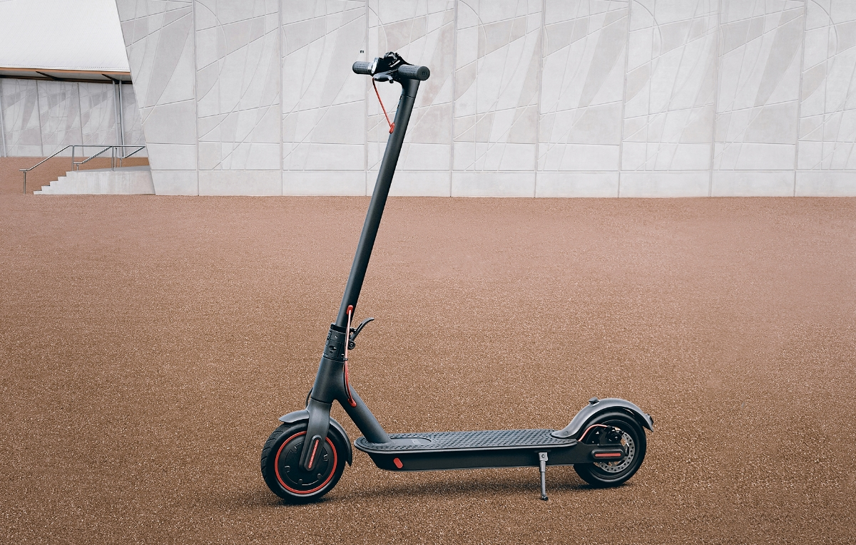 Xiaomi Mi Electric Scooter Pro Header