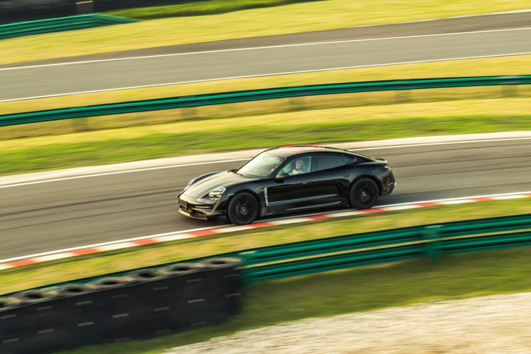 Porsche Taycan Rennstrecke