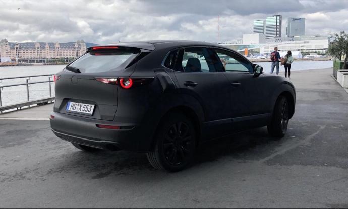 Mazda Elektroauto Leak2
