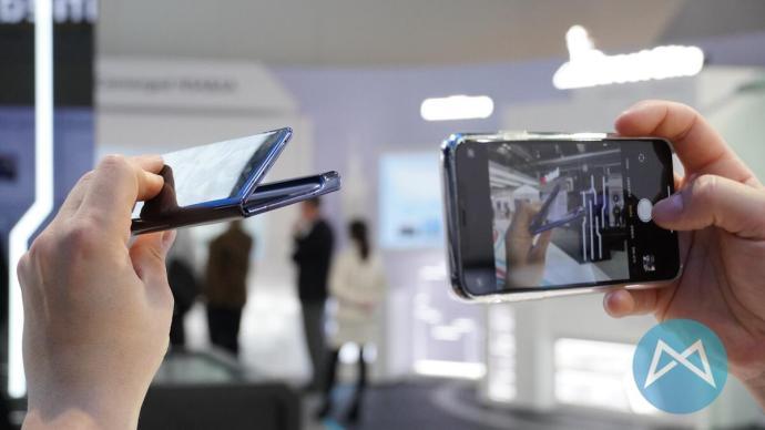 Huawei Mate X 5g Aufklappen