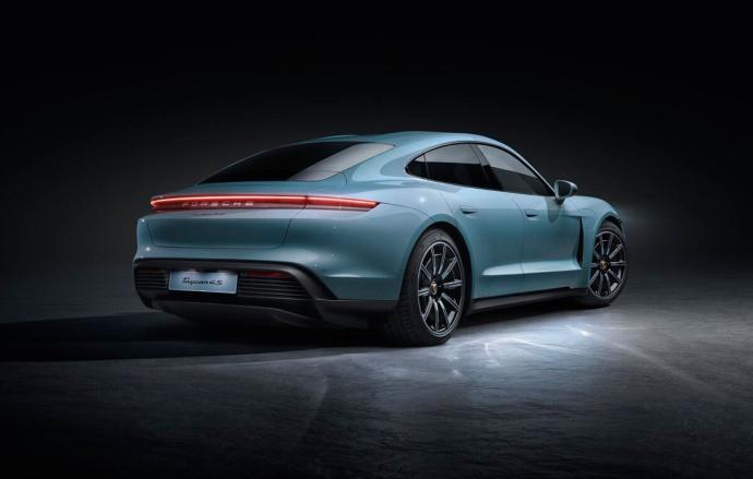 Porsche Taycan 4s Back