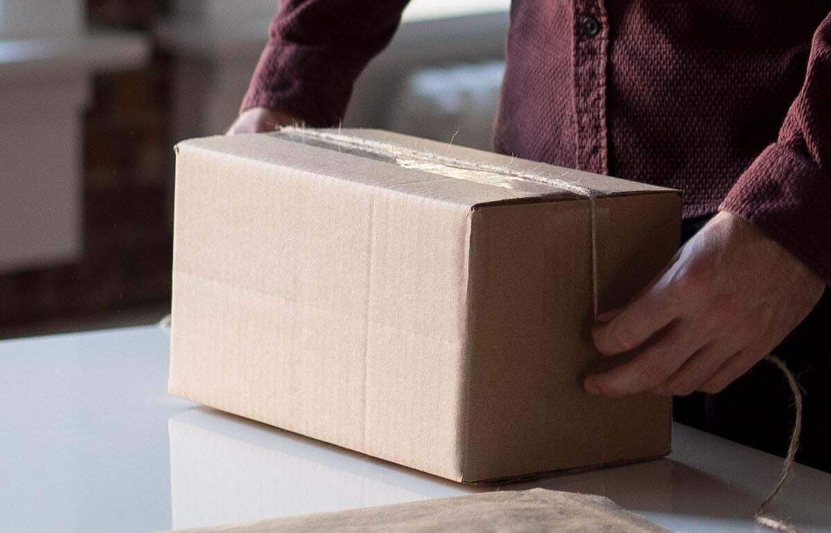 Sendung Box Karton