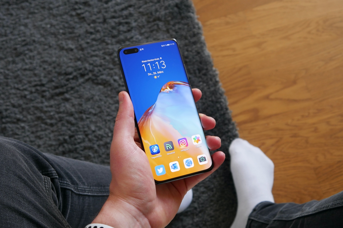 Huawei P40 Pro Hand Front