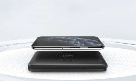 Anker Powercore 10k Wireless Lifestyle 2