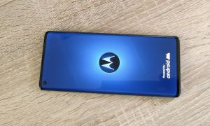 Motorola Edge Header