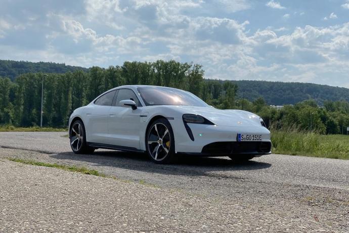 Porsche Taycan Turbo S Front Header