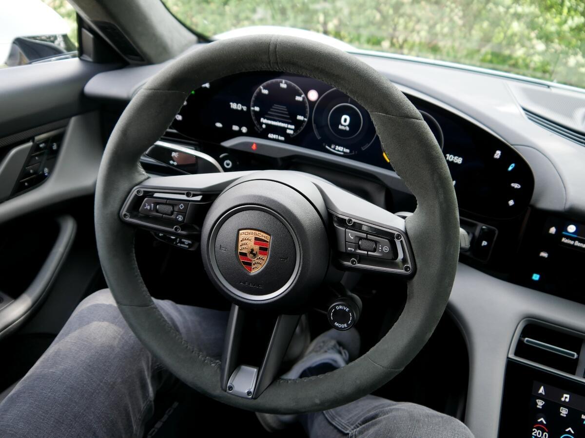 Porsche Taycan Turbo S Lenkrad