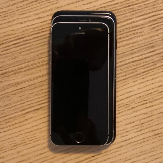 Apple Iphone 12 Size
