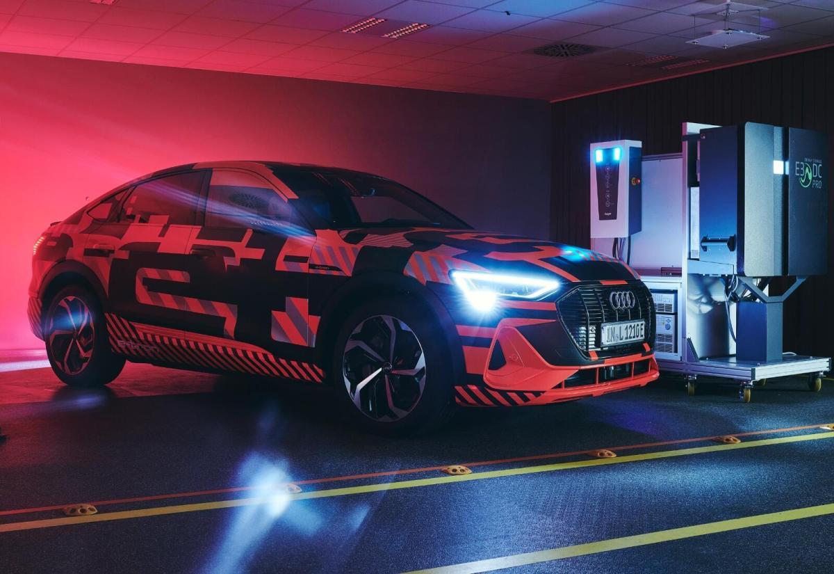 Audi Etron Laden