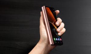 Samsung Galaxy Z Fold 2 Bronze4