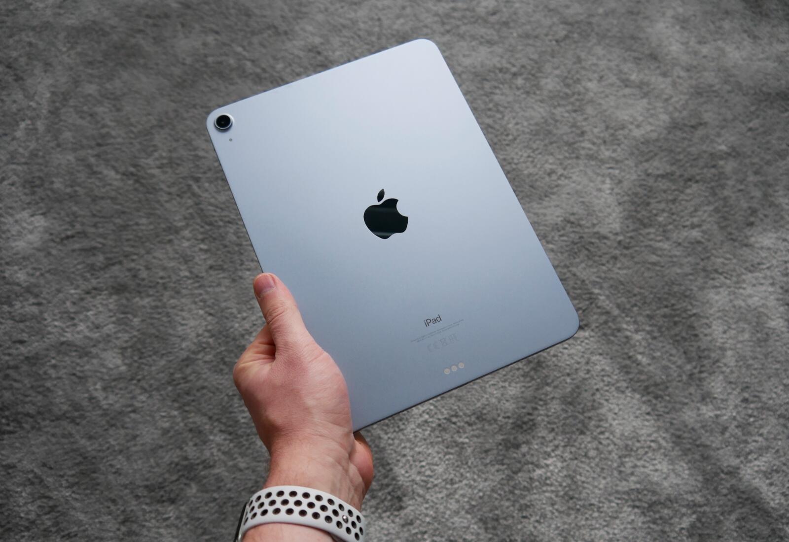 Apple Ipad Air 4 2020 Hand Back