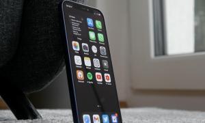 Apple Iphone 12 Homescreen