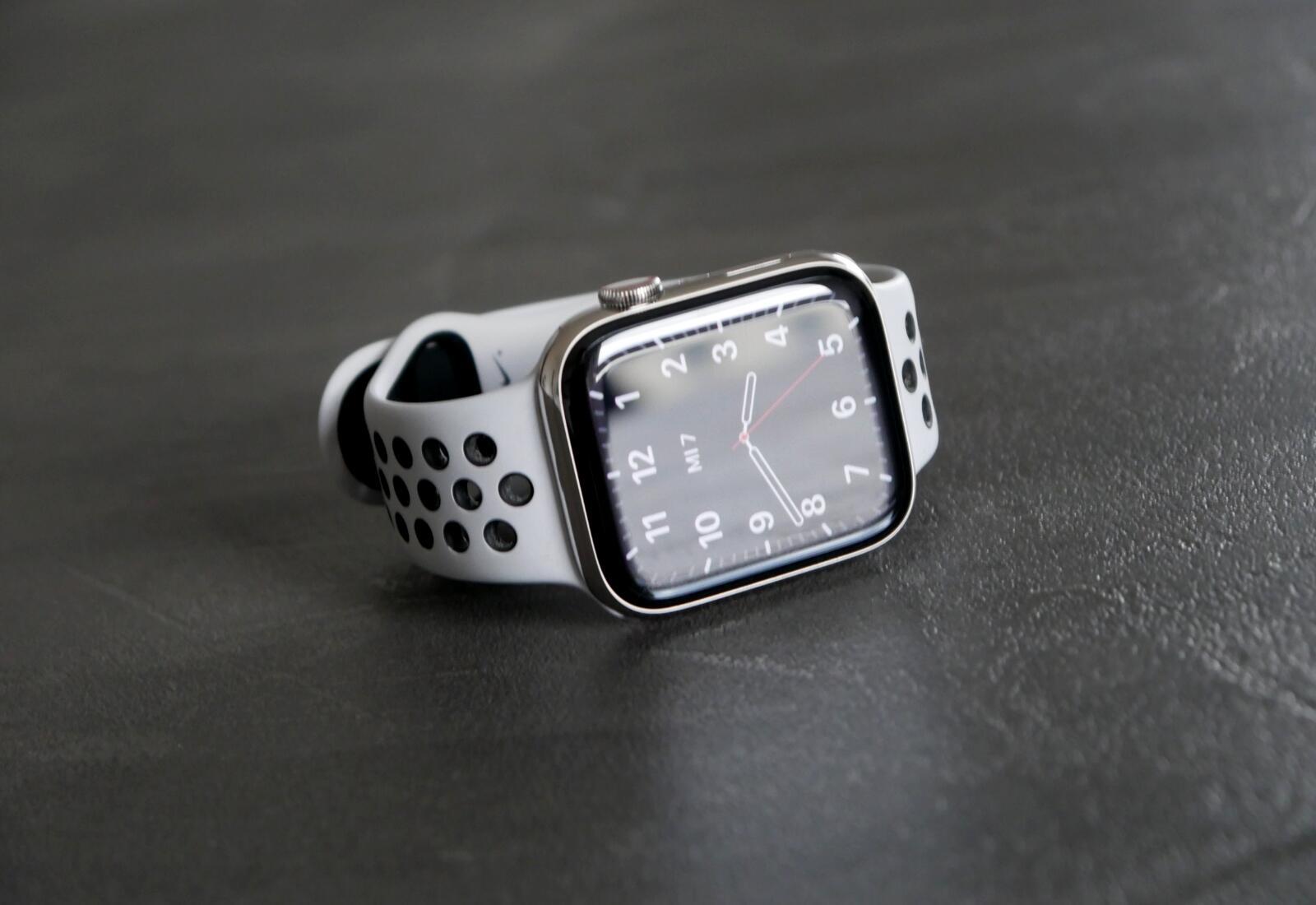 Apple Watch Series 6 Tisch