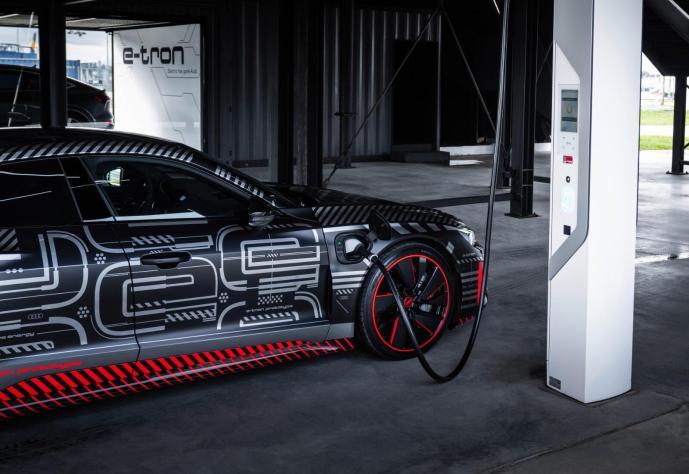Audi E Tron Gt Prototyp Lader