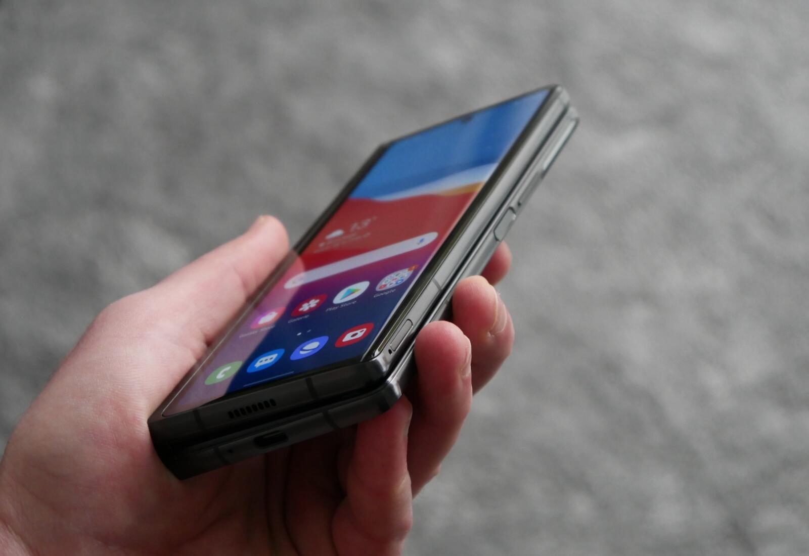Samsung Galaxy Z Fold 2 Hand