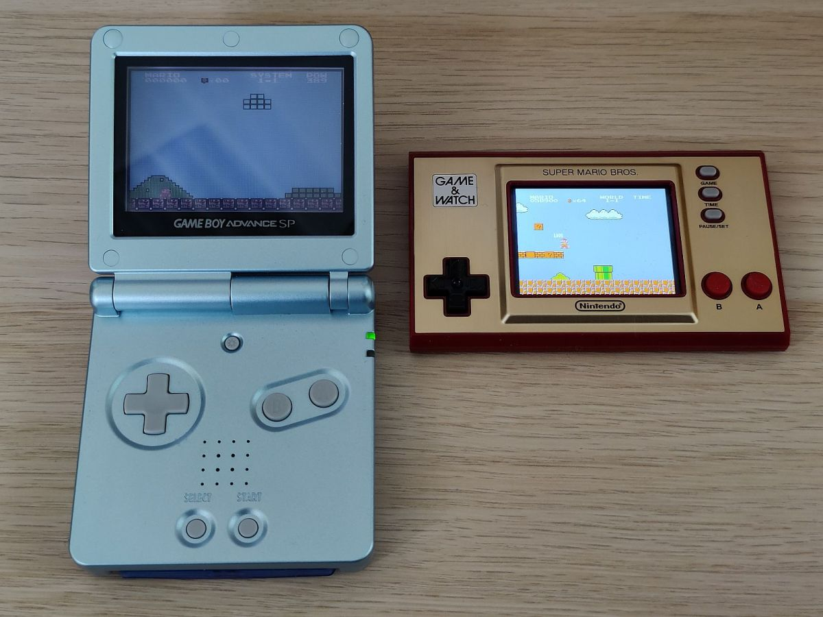 Nintendo Game And Watch Super Mario Edition 2020 Gba Display Vergleich