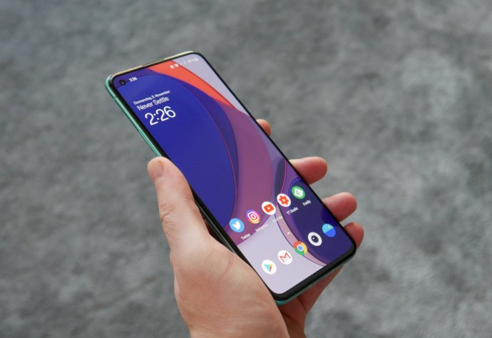 Oneplus 8t Hand Front