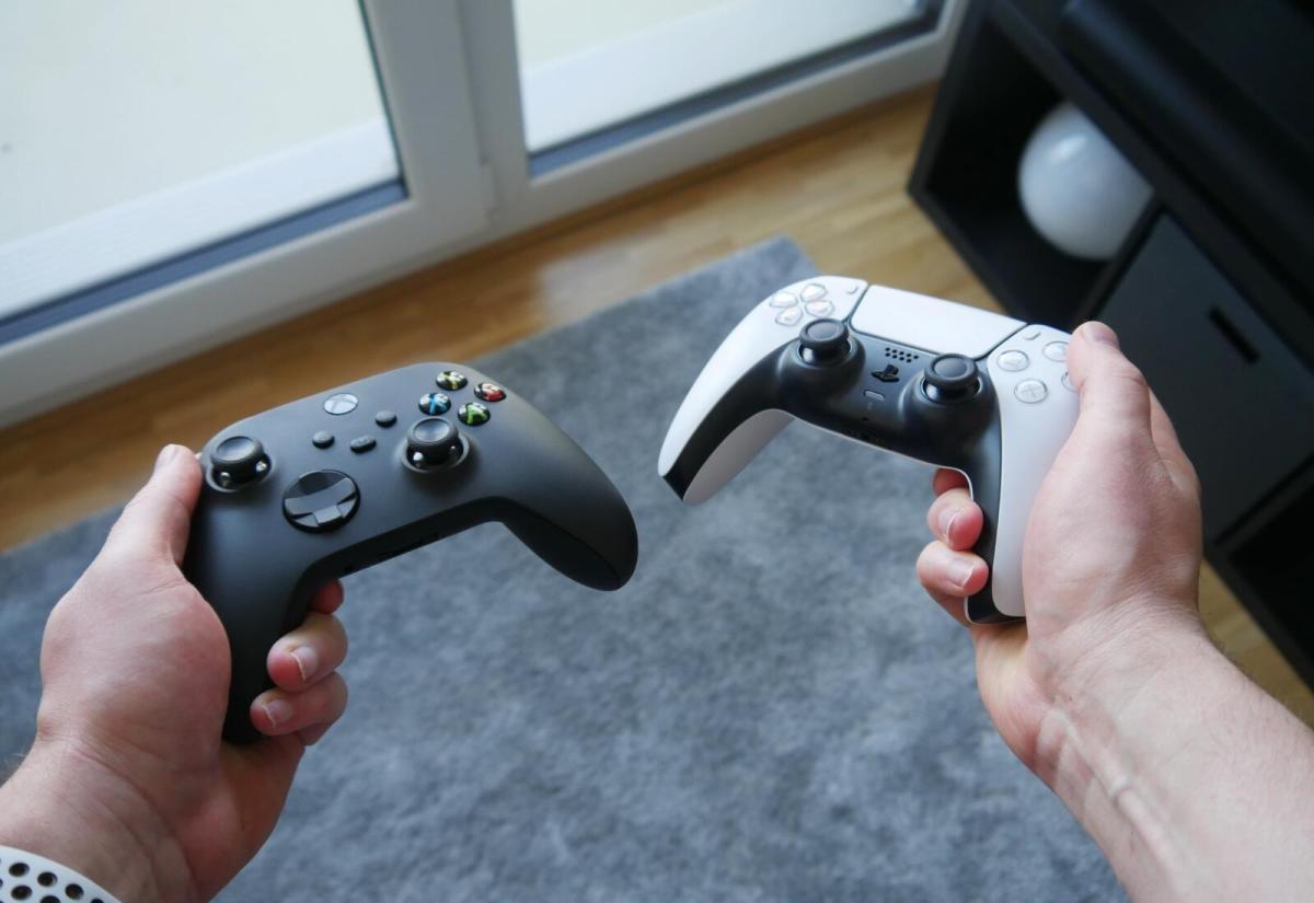 PlayStation 5 vs. Xbox Series X im Test: Mein Fazit nach einem Jahr