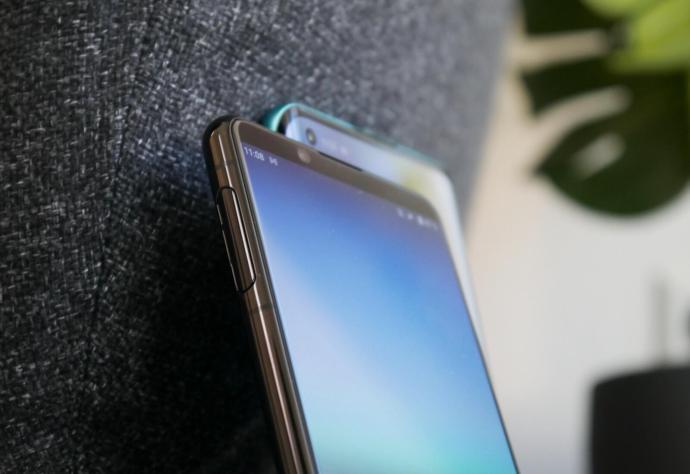 Sony Xperia 5 Ii Oneplus 8 Pro Detail