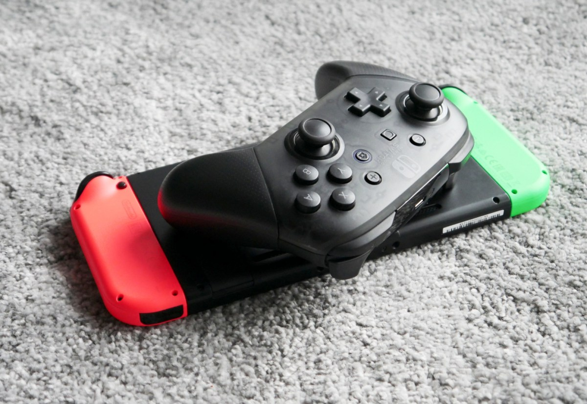 Nintendo Switch Pro Controller Header