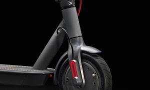 Ducati Pro I Evo Scooter Detail1