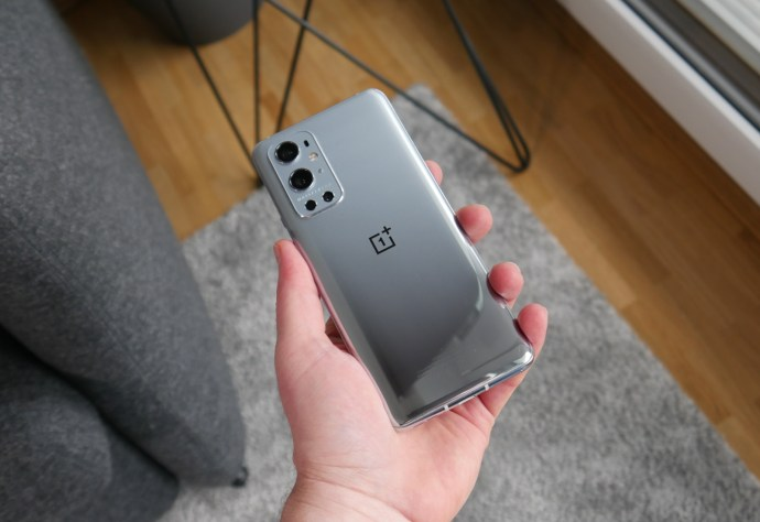Oneplus 9 Pro Hand Back
