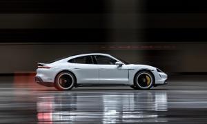 Porsche Taycan 2021 Seite Header