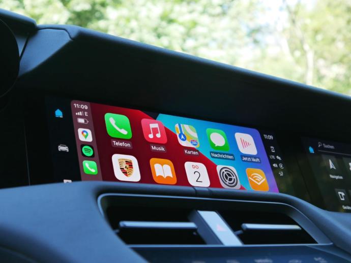 Porsche Taycan Cross Turismo Apple Carplay Header