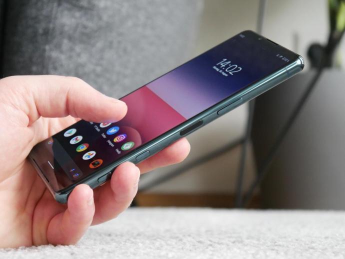 Sony Xperia 5 Iii Hand Header