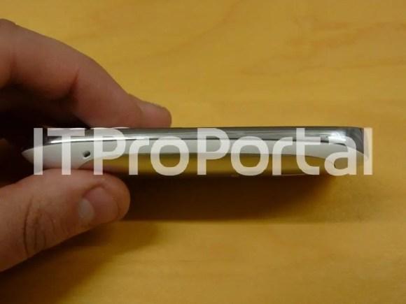 Nokia-302-leaked-3
