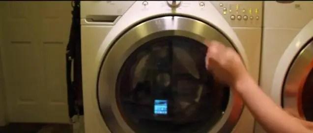 Samsung-Galaxy-S5-washing-machine-3
